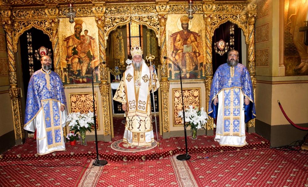 Slujbe de sfintire a Aghiasmei Mari în bisericile din Mitropolia Olteniei